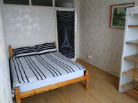 Room to rent less than a minute walk from Redbridge Station