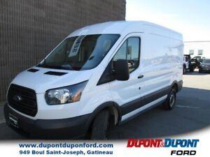 Ford Transit Cargo Van T-250 toit moyen 130 po PNBV de 9 000 lb