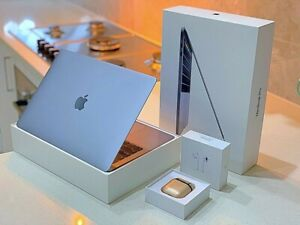 2020 NEW SPACE-GREY TOUCH Bar MacBook Pro Intel CORE i5-256 GB-8GB-Box