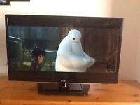"32"" LG LED TV WITH FREEVIEW"