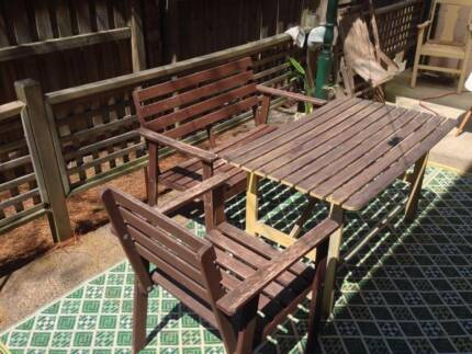GREAT OUTDOOR TABLE / CHAIRS / BENCH Stanmore Marrickville Area Preview