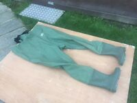 USED ONCE - WADERS - SIZE 9 BOOT WELLIES - IDEAL BAIT DIGGING - CARP CATFISH PIKE - L ooooooooook