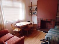 Minny Street, Cathay`s. 4 bedroom Student house.**No Agency Fee** Half Rent July/August. £315 pppm.