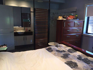 Ensuite room in Camp Hill Camp Hill Brisbane South East Preview