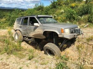 JEEP PART OUT (1998 Jeep Grand Cherokee 5.9 Limited)