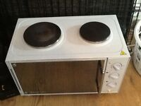 Mini cooker with grill very good condition whit only been used twice