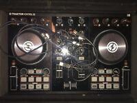 Traktor Kntrol S2 Decks - MK2 Digital DJ Controller