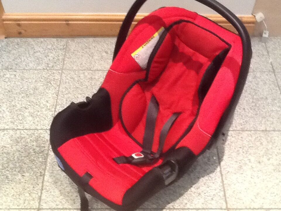 First Size Baby Car Seat For Newborn Upto 13kg Carry Handle And Padded Inserts