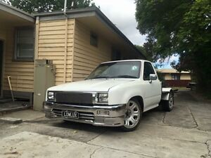 Wrecking Toyota hilux min truck v6 conversion Frankston Frankston Area Preview