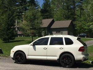 Immaculate Cayenne TURBO! Full Warranty. 2 Sets Rims!
