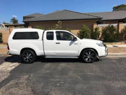 Toyota Hilux V6 extra cab
