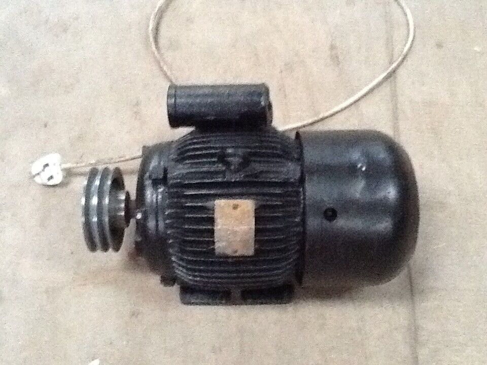 "2HP Brook Cropton Single Phase motor Speed 1440 rpm with twin 5"" pulley"