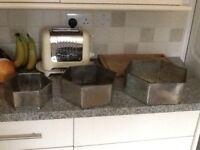 Professional quality baking 3 tier hexagonal baking tins for celebration cakes.