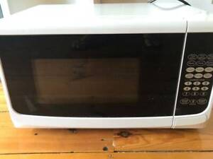 Small microwave******1150 watt excellent condition