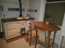 Room to rent in huge, characterful house-share with a garden, Aga and very sociable housemates