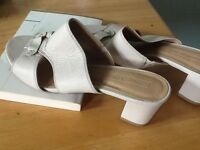 M&S women leather sandals(new size 6)