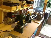 Wood turning lathe