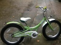 Girls Gloss 20 inch wheel bike
