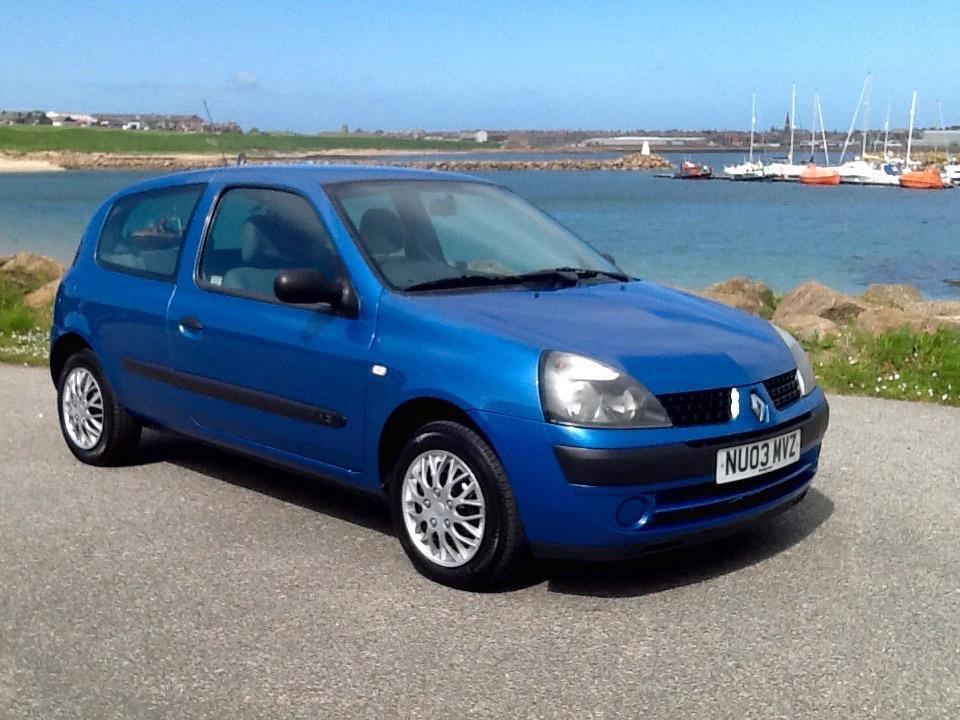 03 renault clio 1 2 authentique in peterhead aberdeenshire gumtree. Black Bedroom Furniture Sets. Home Design Ideas