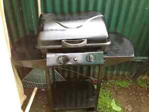 2 burner hooded bbq West Richmond West Torrens Area Preview