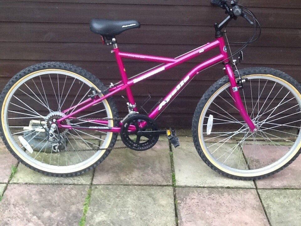 Ladies bicycle £40