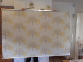 New Roller blind for sale 68 inch (173 cm) wide by 47 inch (120 cm) long all fittings included.
