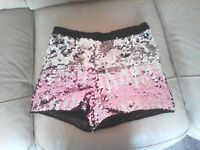· Girls shorts worn once in excellent condition aged 12-13
