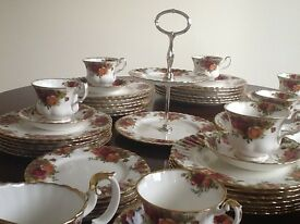 Royal Albert Old Country Roses Dinner Service