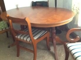 Dinning table & chairs, four chairs & two carvers,