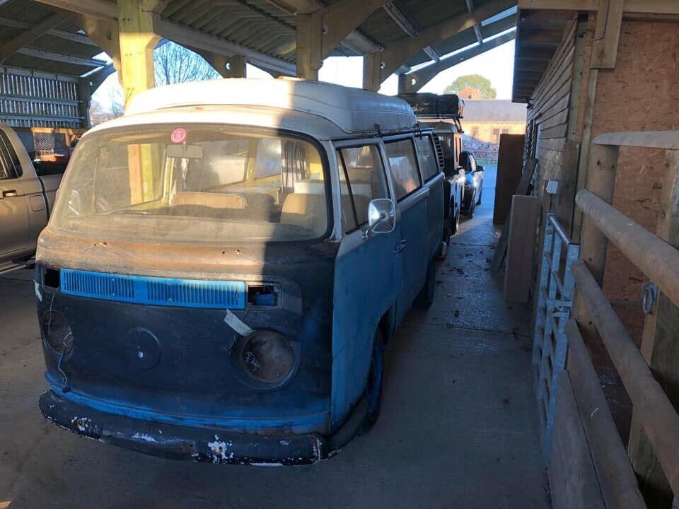 8b82743311 1972 VW T2 Bay camper van