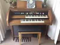 Electric Organ - Lowry Jamboree with Magic Genie