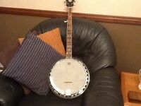 Fender banjo,5 string,hardly used,excellent condition.