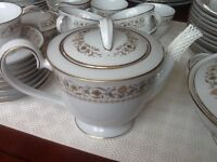 Noritake bone china dinner and tea set 91 piece