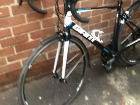 Giant Defy 1 medium 2015 model hardly used and excellent condition with mudguards sell£450