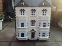 Doll 8 room dolls house