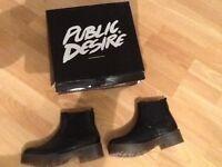 Public desire black ankle boot size 5