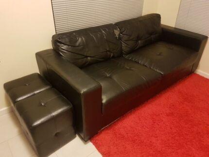 Faux leather 2.5 seats sofa + 2 stools