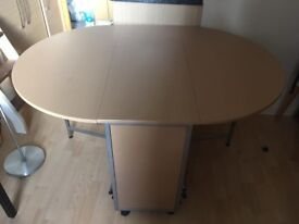 Butterfly extendable dining table with 4 chairs