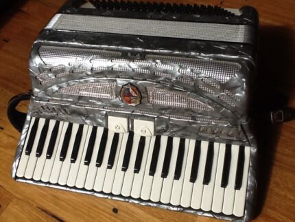 Piano Accordion Busilacchio 120 Bass Ocean Grove Outer Geelong Preview