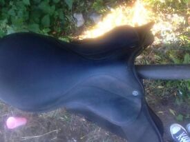 Throwgood saddle 17.5 inch wide