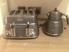 Delonghi , kettle & toaster