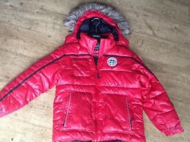 BOYS RED PADDED ICEPAK HOODED WINTER COAT AGE 13-14 YRS : USED FOR SKIING