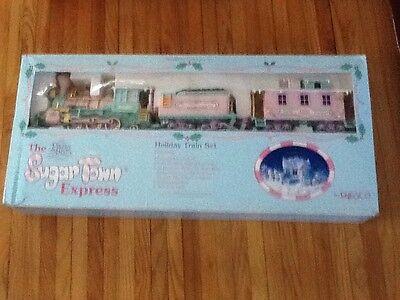 Precious Moments THE SUGAR TOWN EXPRESS Holiday Train Set