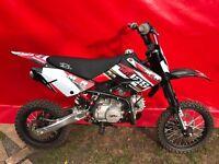M2R KM125 MX PIT BIKE / DIRT BIKE MOTORCROSS 125CC BIG WHEEL 6 HOUR USE STOMP