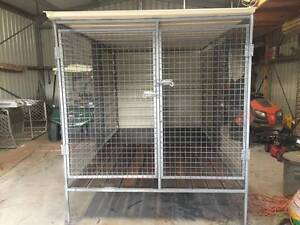 Brand New 2 bay dog cage Thornton Maitland Area Preview