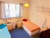 Double room to rent in lovely italian home come and get it NO FEE , NO COMISSION