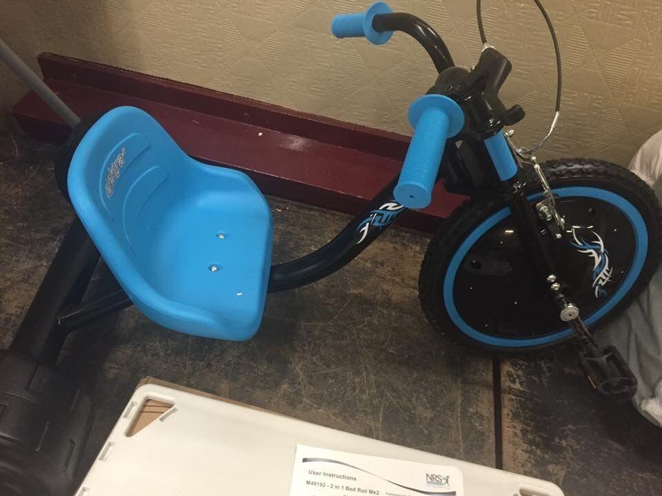 Kids 3 wheel trike with brake(brand new)