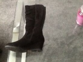 Cushion walk black wedge suede boots size 6
