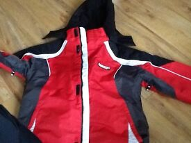 Red and black glacier point ski jacket age 12 to 13