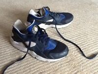 Nike Huarche Trainers (Mens size 8) Good condition